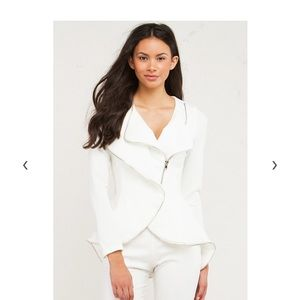 Akira Heir Jacket NWT SMALL WHITE ZIPPER DETAIL